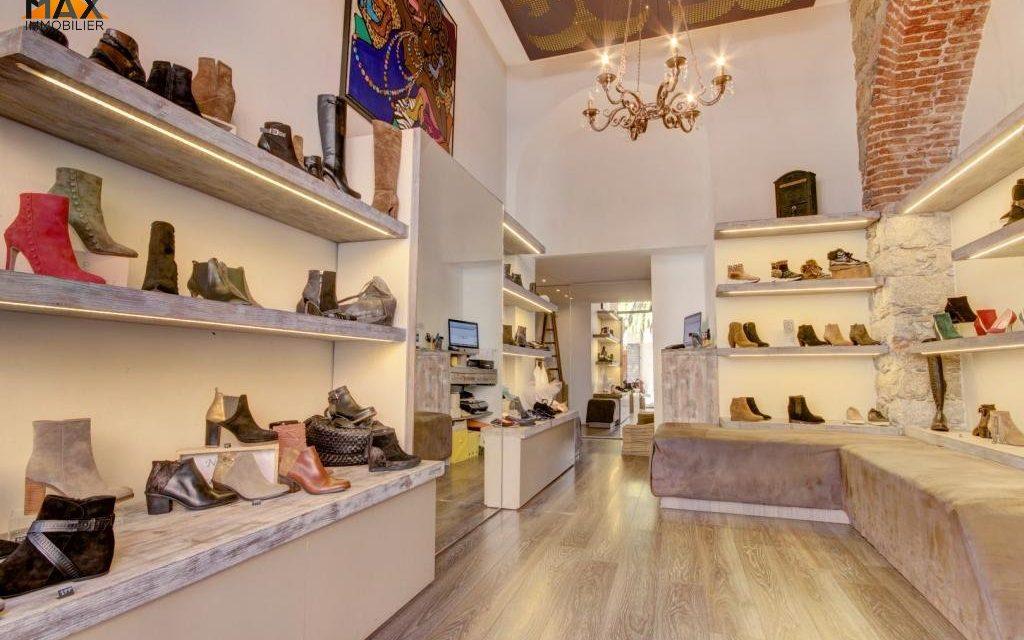 http://www.milaservices-ci.net/wp-content/uploads/2019/12/Magasin-de-vente-de-chaussure-1024x640.jpg